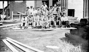Crew of Men who helped rebuild Chicago