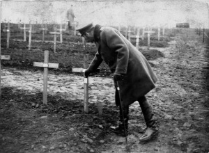 King George visiting a cemetery for American soldiers in France 1918.