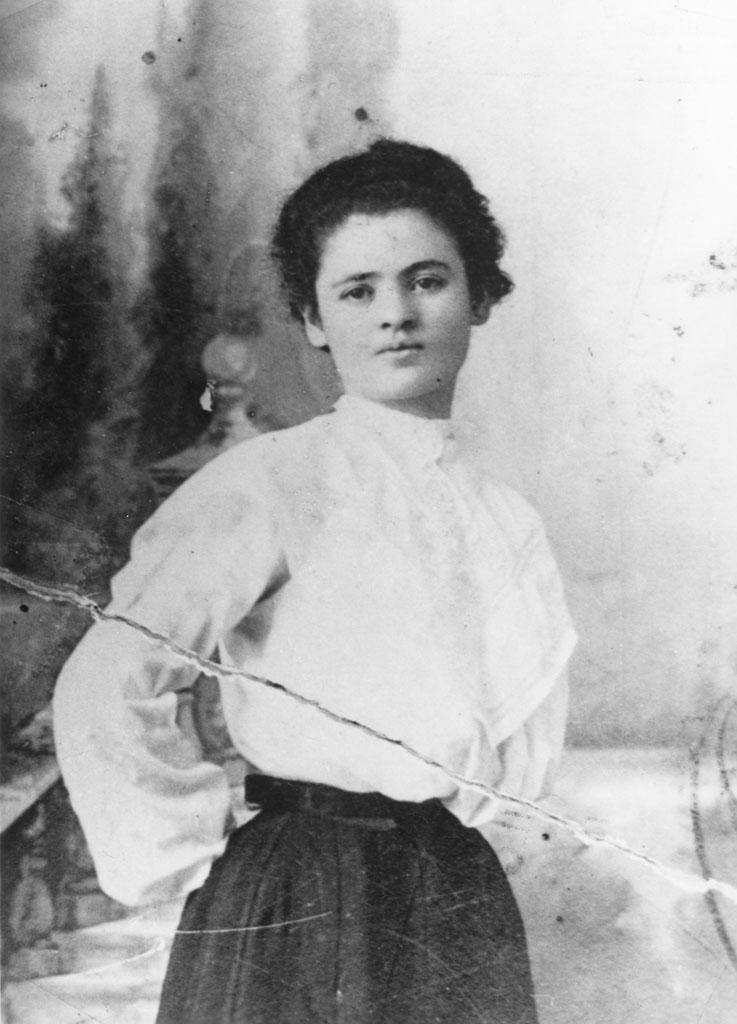 Clara Limlech - stood up ss