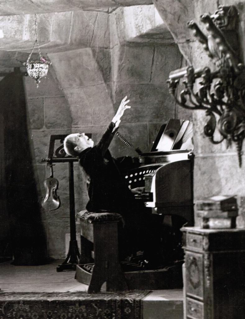 022-the-phantom-of-the-opera-theredlist